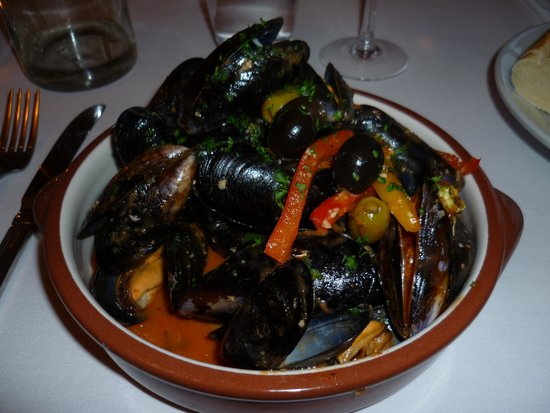 Hooked Restaurant: Lots of muscles!! (Starter)