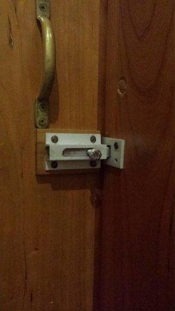 Fortina Spa Resort : Bodged lock