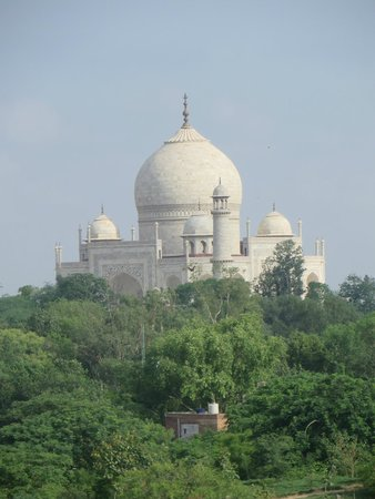 The Oberoi Amarvilas: Amazing view of the Taj Mahal from our room, after all, this is what you came to Agra for!