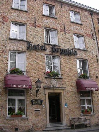 Bryghia Hotel: facciata dell'hotel