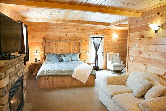 Pine Cove Lodging : Morning Glory King Suite
