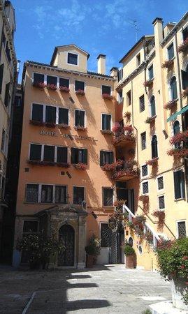 Hotel Al Codega: Courtyard
