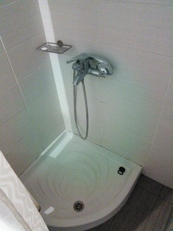 Corali Beach: Shower