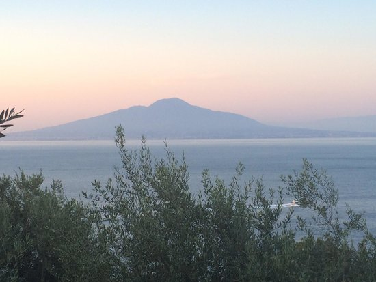 Villaggio Santa Fortunata Campogaio: View at vesuvio from bungalow 13