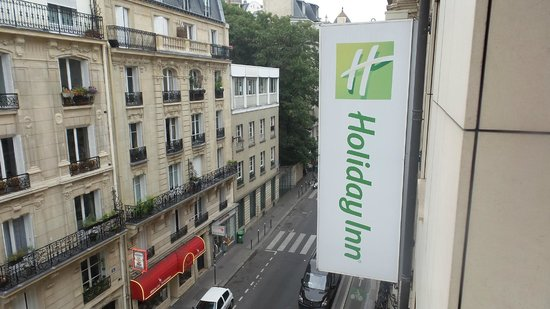Holiday Inn Paris Montmartre : view from room
