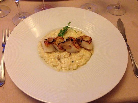 La Taverne de la Marine: Coquille St. Jacques met truffelrisotto