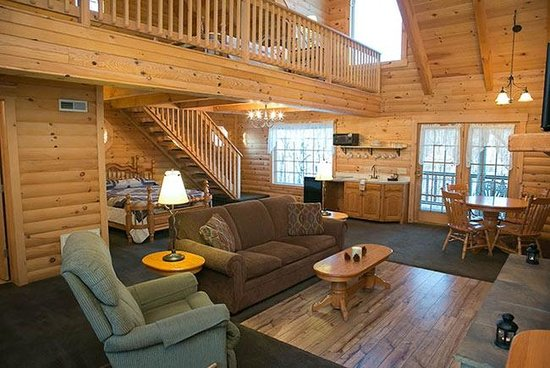 Owl 39 s perch log cabin unit picture of coblentz country for Cabine millersburg ohio paese amish