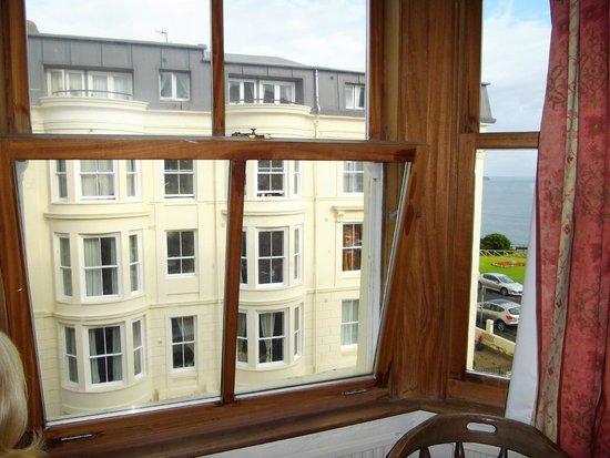 Delmont Hotel : Sea view