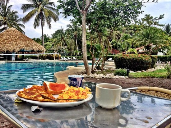 Hotel Villas Playa Samara: Beautiful view of Breakfast by Pool from my Instagram
