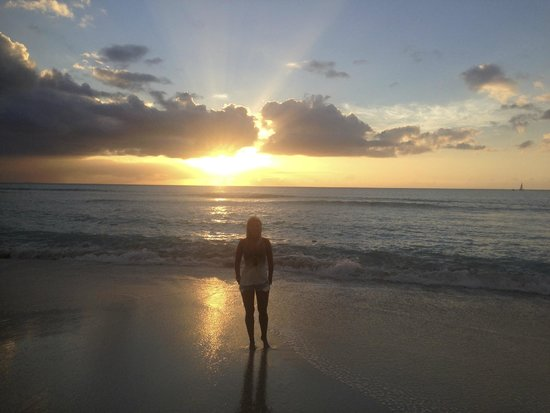 Cocobay Resort: Sunset