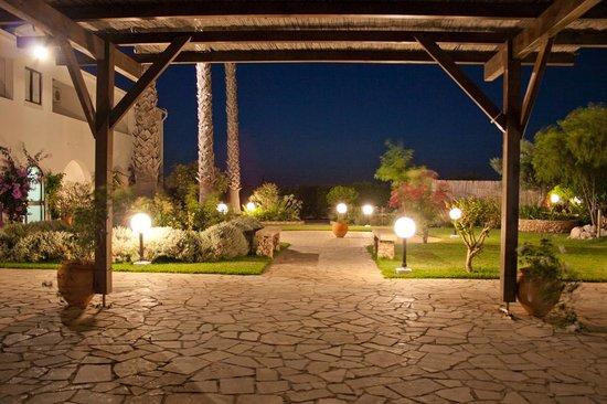 Alte Hotel : exterior noite