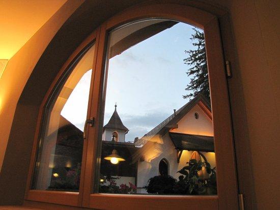 Hotel Villa Madonna: La chiesetta dall'hotel