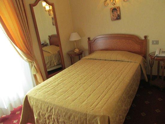 Hotel Edera : きれいな部屋