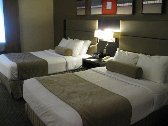 Crowne Plaza Gatineau-Ottawa: Room