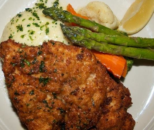 Red Rock Restaurant & Bar: Chicken Schnitzel
