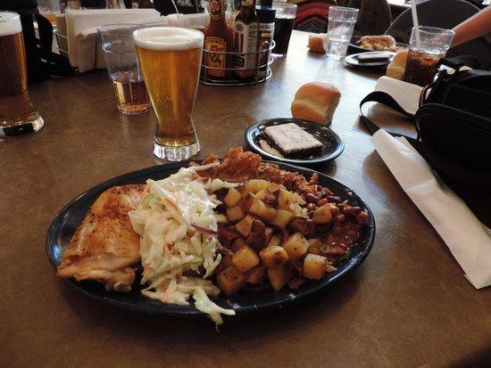 Ebenezer's Barn & Grill : Repas