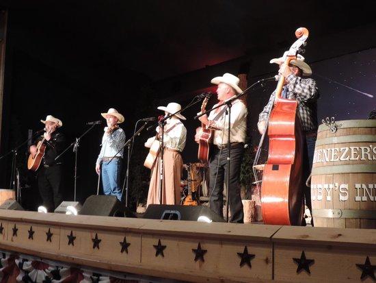 Ebenezer's Barn & Grill : Musique