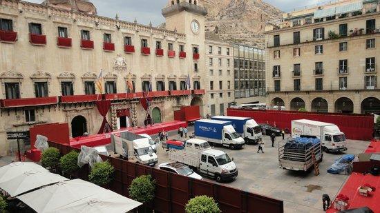 Eurostars Mediterranea Plaza Alicante : Plaza del Ayuntamiento vista desde Habitación