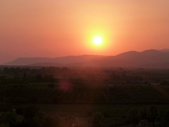 Homeros Pension & Guesthouse: Coucher de soleil, vu de la terrasse
