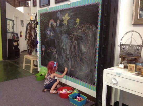 Mountainside Creative: Kids playing at the chalkboard