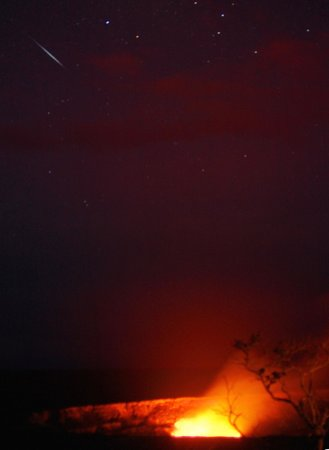 VolcanoDiscovery Hawai'i: Meteor at Halemaumau Crater