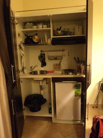 Domus Rome Holiday Apartments : Kitchenette