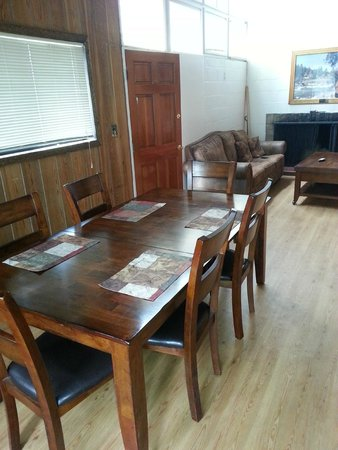 Riverside State Park: dining room - Retired Ranger House