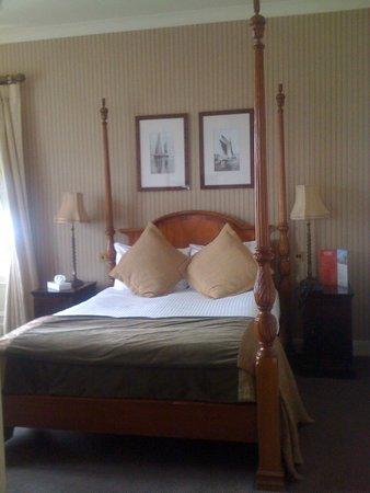 Oban Bay Hotel: Great bed