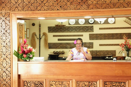 Tradewinds Hotel: Front Desk
