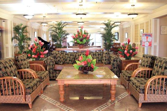 Tradewinds Hotel: Hotel Lobby