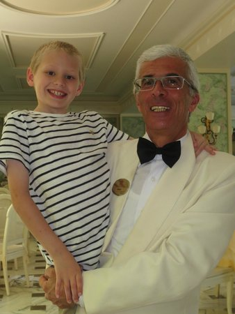 Grand Hotel De La Ville Sorrento: Enzo with a special guest