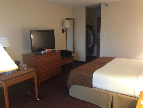 Holiday Inn Hotel & Suites Des Moines - Northwest: Executive Suite