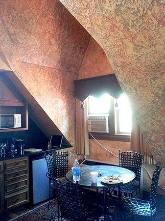 Landoll's Mohican Castle: Landoll Suite Kitchenette