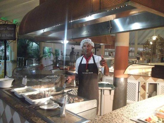 Grand Bahia Principe San Juan : Our favorite chef hard at work