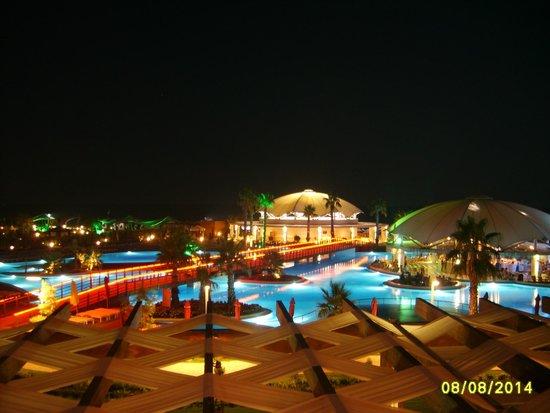Hotel Riu Kaya Palazzo: At night