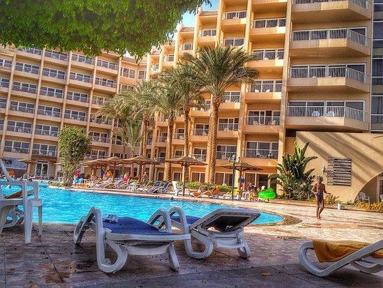 Hurghada Marriott Beach Resort : The pool