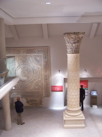 Corinium Museum: For a small museum, the scale of the exhibits is very good.