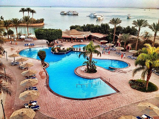 Hurghada Marriott Beach Resort : The pool view from the room