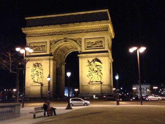 Arc de Triomphe: L'Arch!