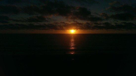 Sidi Bouzid Beach (Plage de Sidi Bouzid) : Sunset