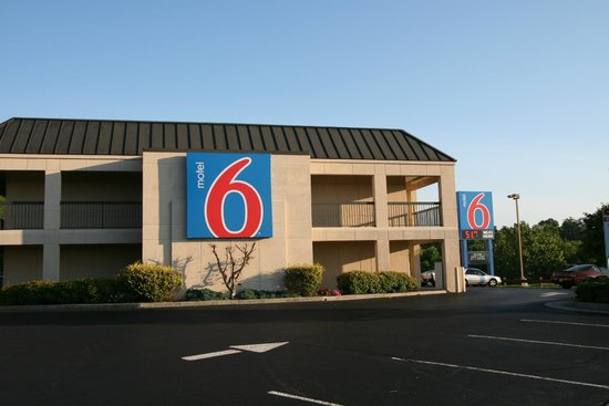 Motel 6 Roanoke, VA