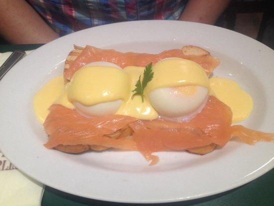 Patisserie Valerie Northbridge: Royal Eggs Benedict,