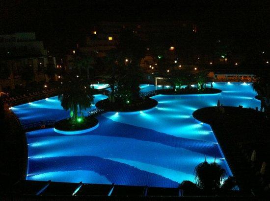 Rixos Premium Tekirova: gecesi gündüzü ayrı güzel :)