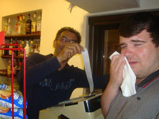 POGO  Snack Bar pervolia Larnaca: Dan eventually bought a round of drinks