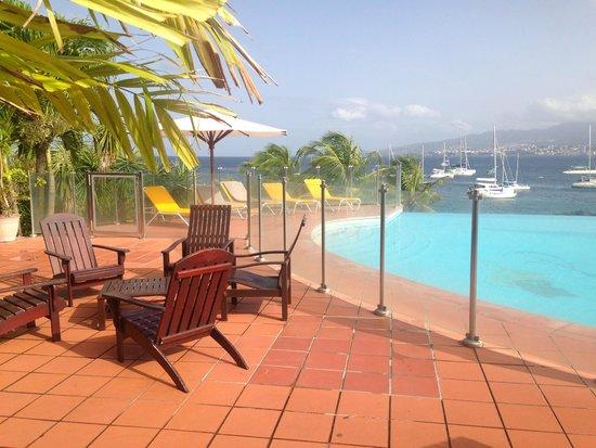Hotel Bakoua : piscine