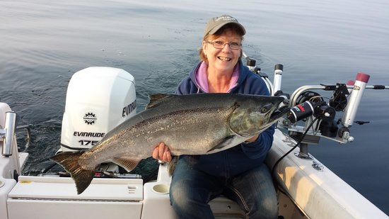 Fish Tales Charters : Holy Salmon