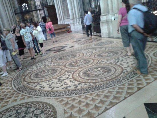 Kölner Dom: suelo de mosaico