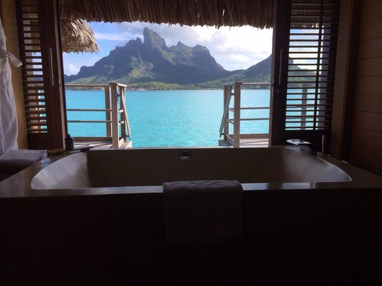 Four Seasons Resort Bora Bora: The view from the bathroom. The Four Seasons.