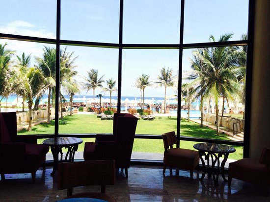 CasaMagna Marriott Cancun Resort : In the lobby area. It has an amazing view of the pool/beach.
