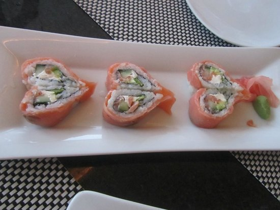 Excellence Playa Mujeres: Heart-shaped sushi rolls at Spice